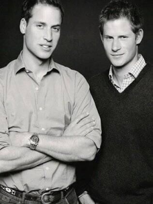 Os irmãos William e Harry, em foto inédita, feita em dezembro de 2006