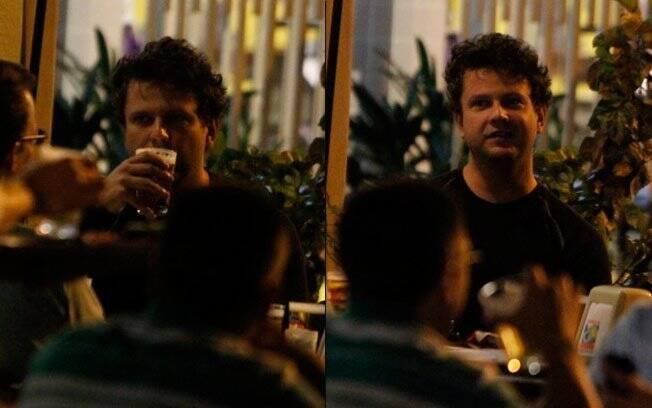 Selton Mello: noite de cerveja com os amigos