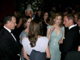 William e Catherine conversam com Tom Hanks, sua mulher, Rita Wilson, e Nicole Kidman: nata de Hollywood