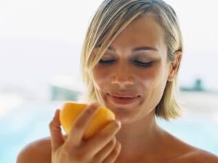 Chupar uma suculenta laranja já foi considerado um ato altamente erótico