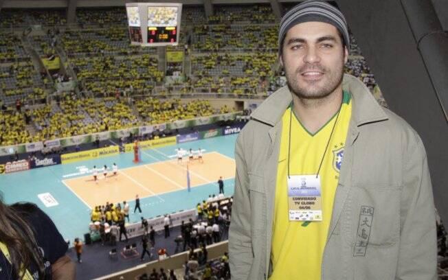 Thiago Lacerda assiste ao jogo do Brasil x Polônia