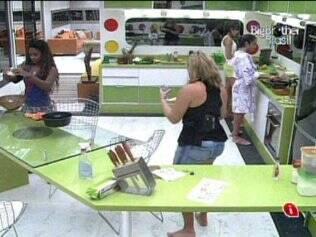 Sisters preparam almoço