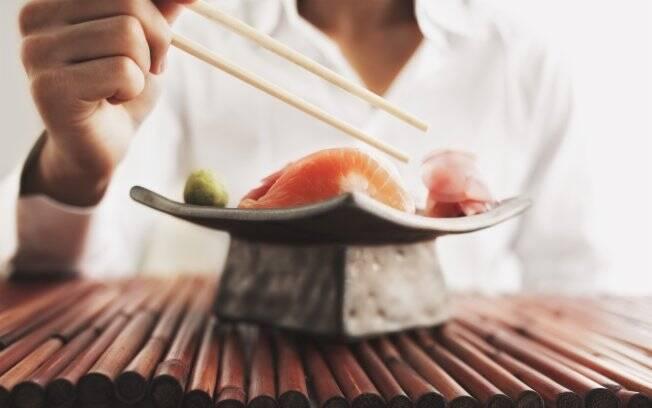 A comida japonesa, a base de peixe, algas e soja, é uma das mais saudáveis do mundo