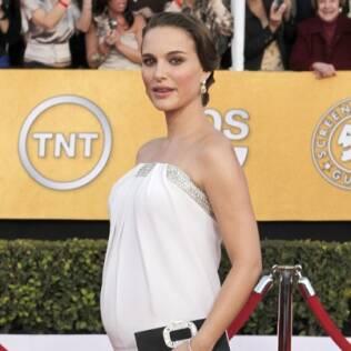Natalie Portman comeu leite e ovos durante a gestação, mas já voltou a ser vegetariana