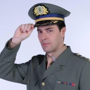 Cláudio Lins é José Guerra