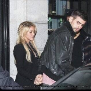 Shakira e Gerard Piqué: primeira aparição pública do casal no final de fevereiro