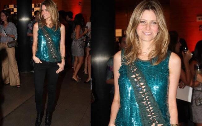 Os detalhes da blusa de paetê da apresentadora Didi Wagner fizeram todo o charme do look