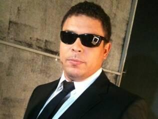 Ronaldo vestido como os apresentadores do