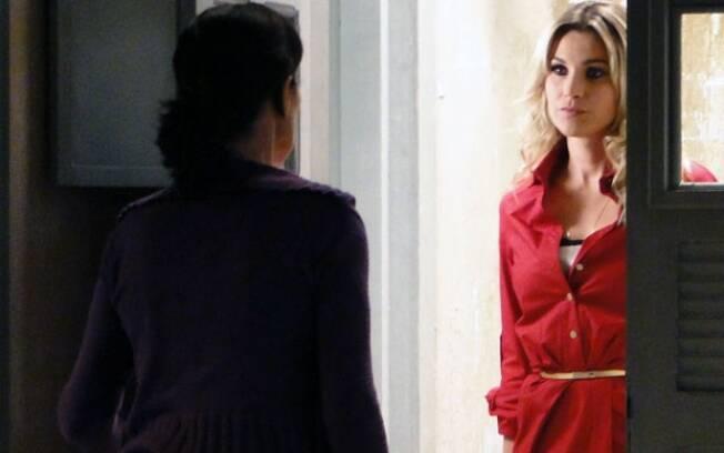 Morde & Assopra: Naomi visita Dulce para falar sobre Guilherme