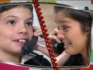 Talula chora ao falar com o filho