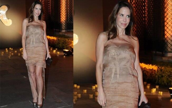 Ana Paula Junqueira vestiu Stella McCartney para homenagear a vinda da estilista ao Brasil nesta semana