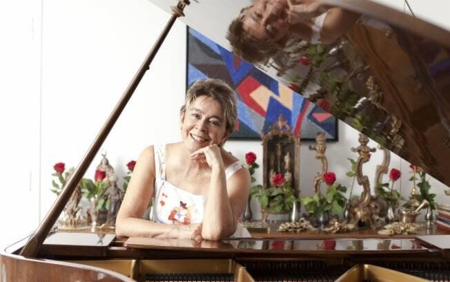 Antes de se dedicar inteiramente à Cipolatti, Conceição, a proprietária da empresa de decoração natalina, era musicista e tocava piano