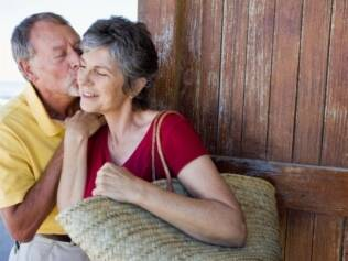 Libido: dependendo do tratamento feito, mulheres em terapia de reposição hormonal podem sentir aumento no desejo sexual