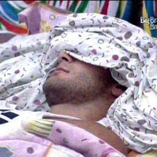 O médico pega no sono novamente
