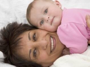 Experiência: mães mais velhas tendem a cuidar melhor de seus bebês