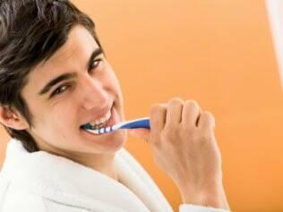 Troque sua escova de dentes a cada três meses