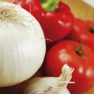 Alho, tomate e cebola são fontes de compostos prebióticos