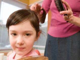 Entender porque sua filha quer tanto mudar a aparência é tão importante quanto negociar com ela que tratamentos as crianças podem fazer