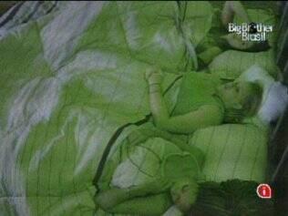 As sisters batem papo antes de dormir