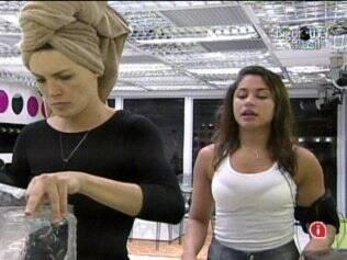 Maria quer saber de Diana se o Paredão com Daniel e Rodrigão foi o mais tenso que ela já enfrentou
