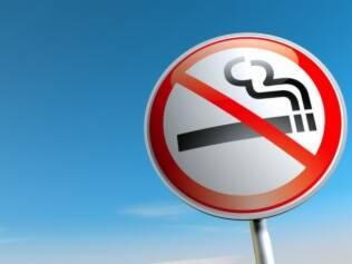 Não ao cigarro: pesquisa liga restrição ao tabaco a índices menores de câncer de mama