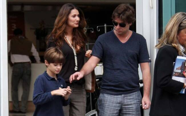 Fábio Assunção com Priscila Borgonovi e o filho João