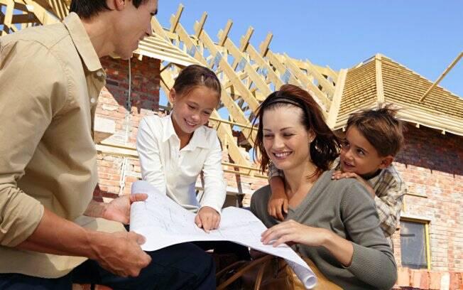 Faça um pré-orçamento e consulte um avaliador imobiliário antes de iniciar a reforma
