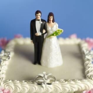 Quantidade de doces, pratos do cardápio, corte do vestido: escape dos erros mais comuns do casamento
