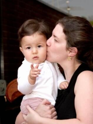 Iris e Maria Cecília: maternidade aos 30 não era o plano, mas garantiu experiência