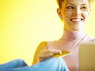 Mulheres são maioria entre consumidoras de sites de compra coletiva