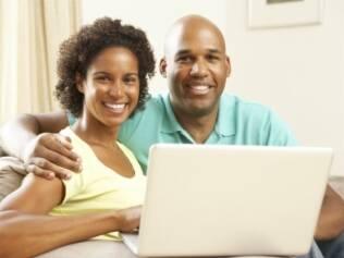 Senso de humor e química estão entre os principais critérios de seleção de um parceiro