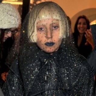 Lady Gaga: frustrada com adiamento de show em Paris