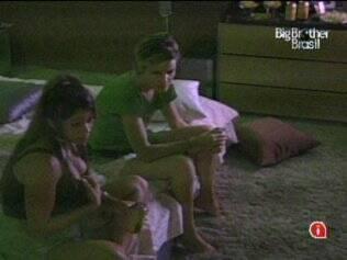Maria defende Diana e diz que foi ela quem decidiu se aproximar da sister