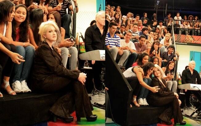 Cyndi Lauper com os espectadores