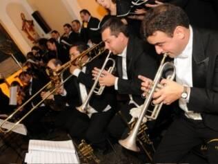 Trilha da cerimônia: cheque a estrutura da igreja para receber os músicos