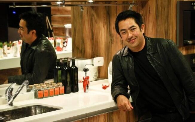 O expert entre fogões e panelas,Viko Tangoda, foi convidado para analisar os aspectos funcionais das cozinhas da Casa Boa Mesa