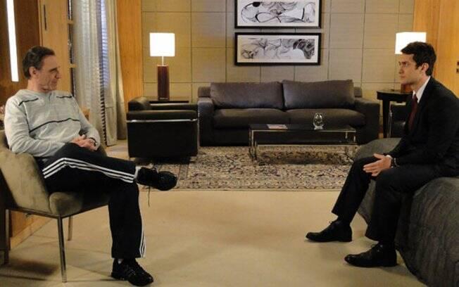 O início da parceria: Cortez contratou Léo para planejar um assalto durante o Cruzeio Delamare