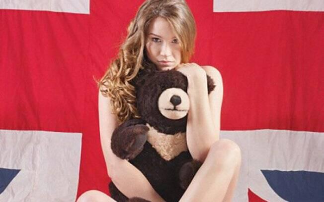 Joss Stone: nua para defender os ursos