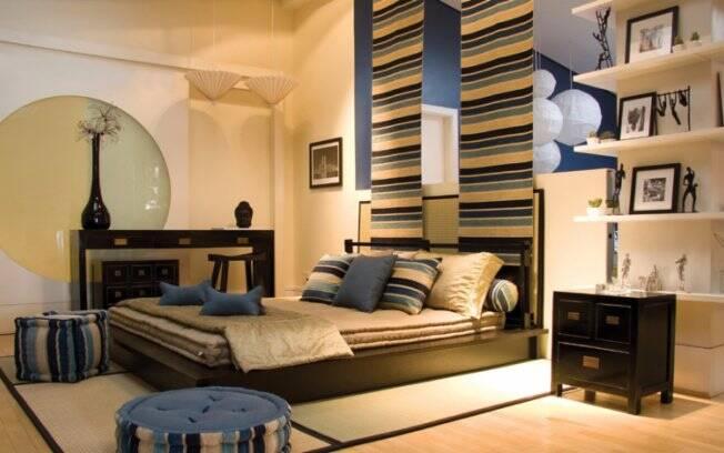 Papéis de parede ajudam a trazer mais cor ao ambiente. Pinturas especiais e texturizadas também são uma boa alternativa