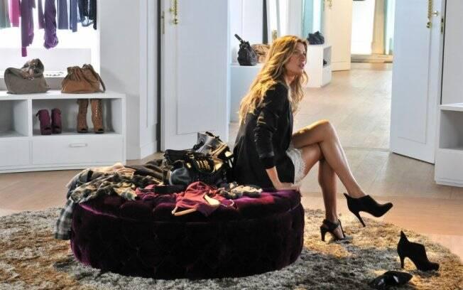 Gisele Bündchen modela alguns dos looks de sua linha: parceria retomada com a marca