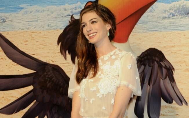 Em sua primeira visita ao Rio, Anne Hathaway aproveitou brechas na agenda de trabalho para conhecer alguns pontos turísticos da cidade