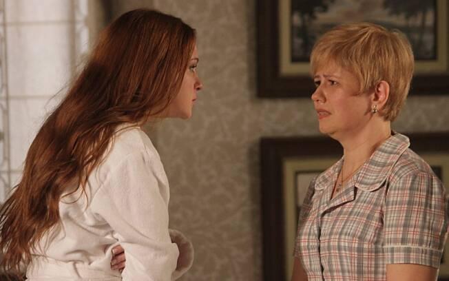 Patricinha desconfia de Lilian e a empregada vai embora