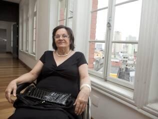 Maria da Penha ficou paraplégica após o marido atirar pelas costas