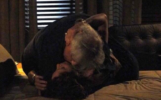Insensato Coração - Raul e Carol tem a primeira noite de amor