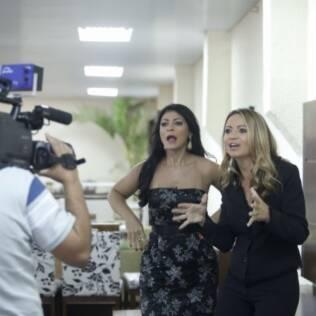Sylvia durante a gravação de um dos comerciais de sua rede