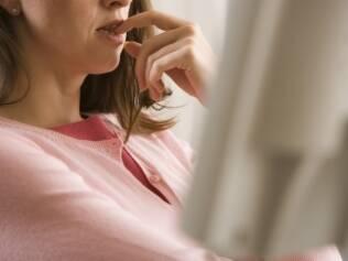 Vigiar-se, contar o tempo desperdiçado e evitar as fontes das tentações: vale tudo para abandonar os maus hábitos