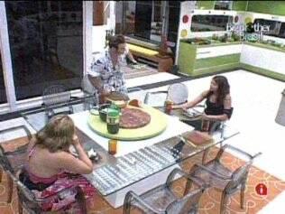 Brothers da Casa Luxo almoçam sem Rodrigão