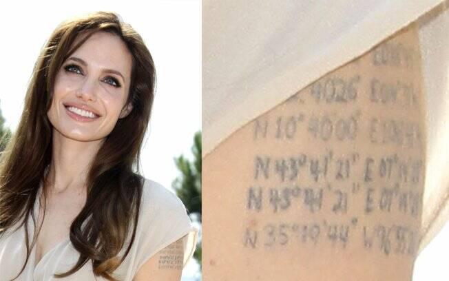 Angelina Jolie e a tatuagem com latitude e longitude do local onde o marido, Brad Pitt, e os filhos nasceram