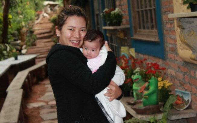 Eliane Ogata com a filha Sayuri