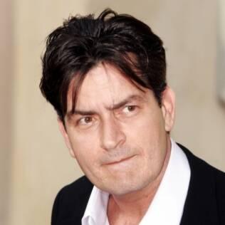Charlie Sheen deve pagar pensão de R$ 90 mil a ex-mulher